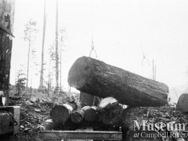 Loading a log at Bloedel Stewart & Welch Camp 4