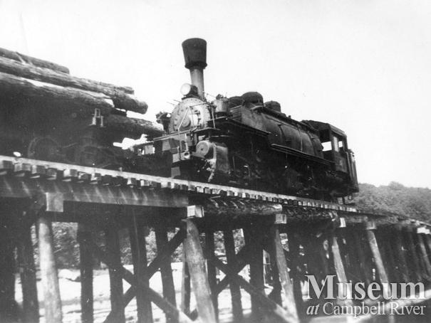 Bloedel, Stewart & Welch's #6 locomotive at Menzie's Bay