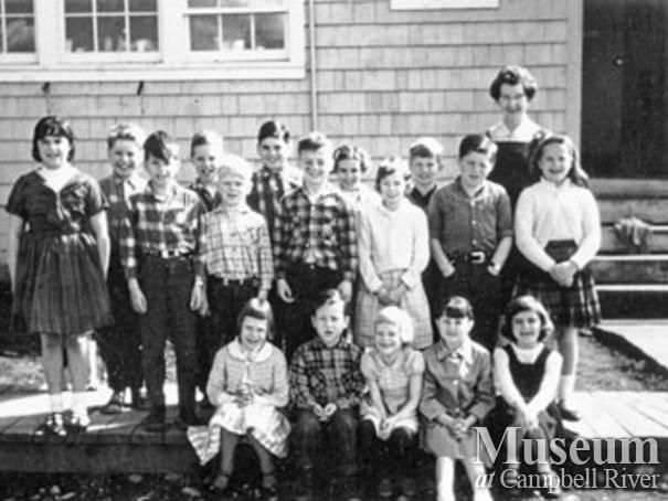 School class photo at Bloedel, Stewart and Welch Camp 5