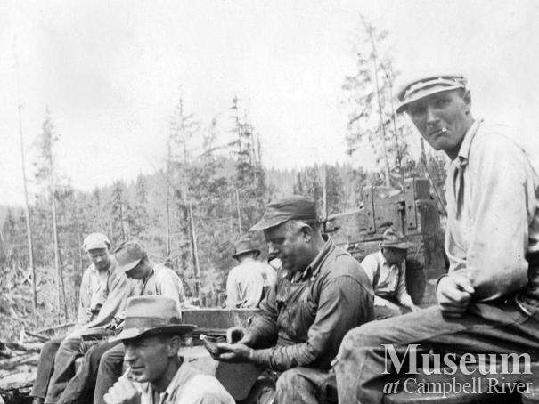 Byles and Groves logging crew
