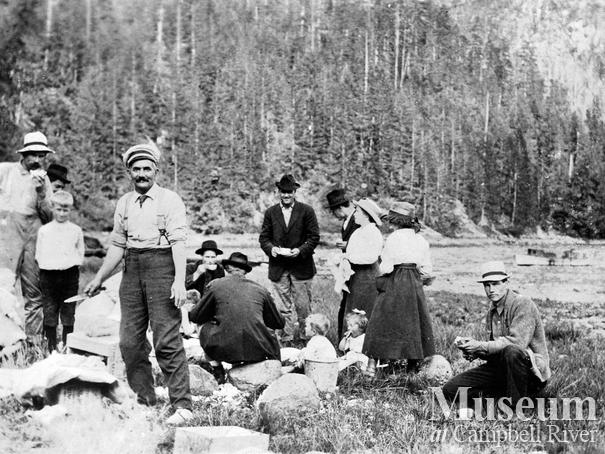 Bendickson Logging crew on a family picnic