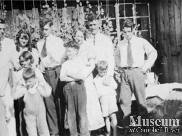 Gildersleeve family on King Island