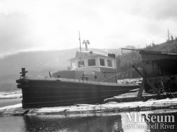 A tugboat on Nimpkish Lake - the 'CanFor 6'