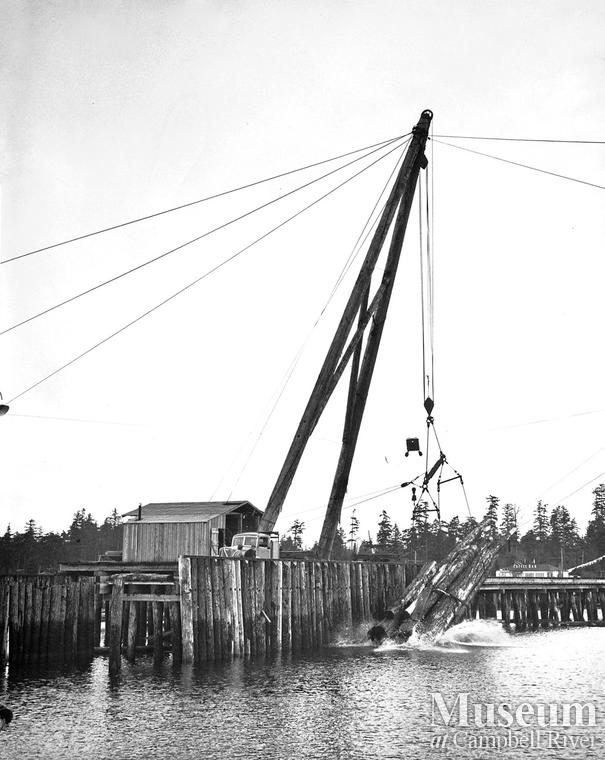 A-frame unloading a truck at Oyster Bay