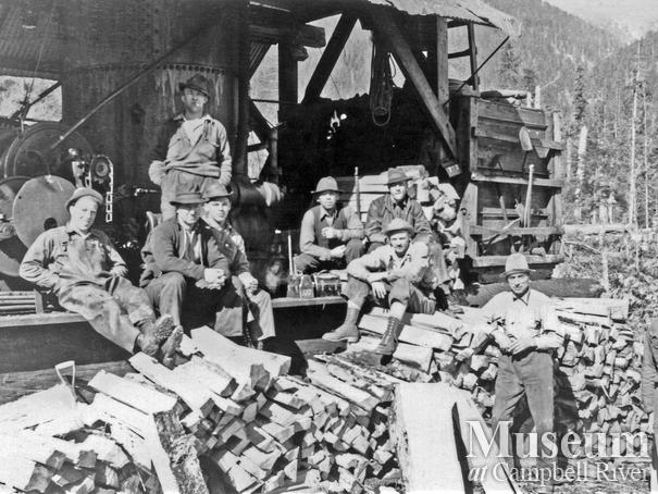 Elk River Timber Co. crew and steam donkey