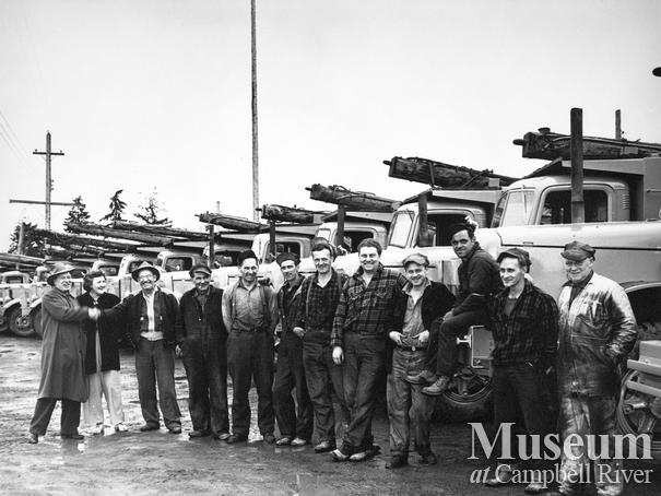S and S Trucking fleet and crew