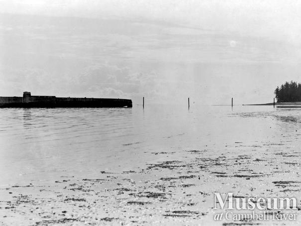 View of breakwater at Oyster Bay