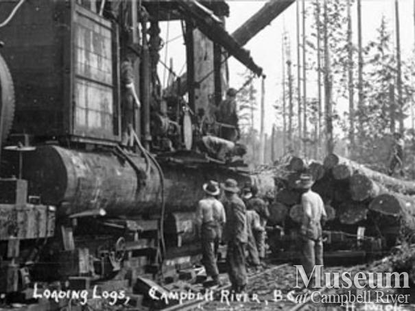 Loading logs at Campbell River