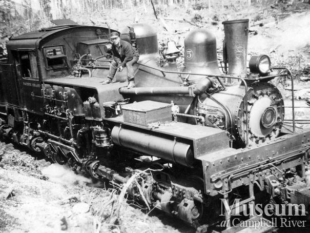 The 5-spot locomotive at Rock Bay